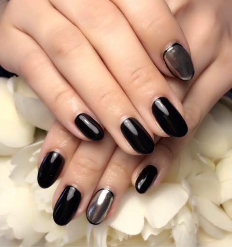 黒ワンカラー×ミラーネイル~芦屋ネイル・マツエクサロン