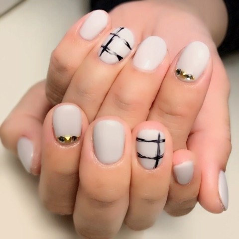 シンプルグレーネイル★~芦屋ネイル・マツエクサロン